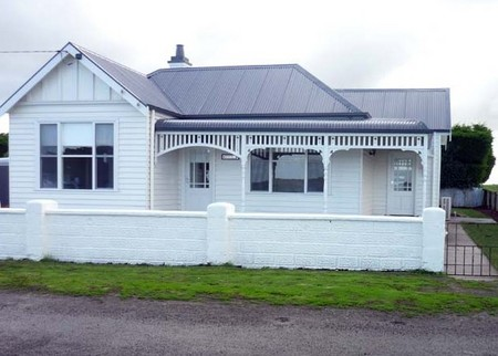 Calgary House  Cottage Accommodation - Accommodation Cooktown