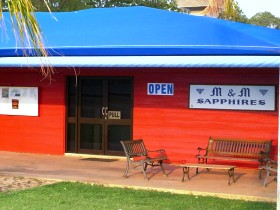 M and M Sapphires - Accommodation Cooktown