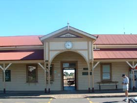Maryborough Railway Station - Accommodation Cooktown