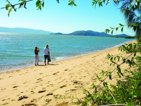 Bushland Beach - Accommodation Cooktown