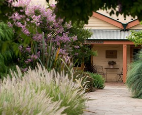 Baileys of Glenrowan - Accommodation Cooktown