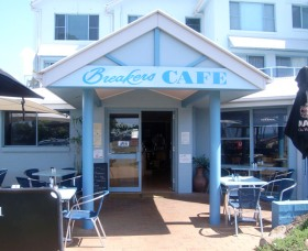 Breakers Cafe and Restaurant - Accommodation Cooktown