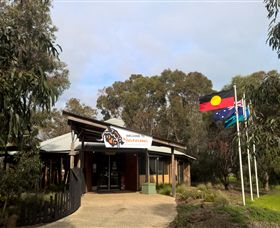 Narana Aboriginal Cultural Centre - Accommodation Cooktown