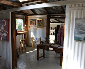 Tin Shed Gallery - Accommodation Cooktown