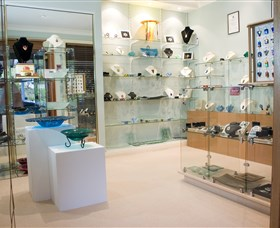 The Glass Gallery - BS Glass Art - Accommodation Cooktown