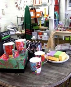 The Famous Tinonee Cafe and Gift Shop - Accommodation Cooktown