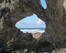 Glasshouse Rocks and Pillow Lava - Accommodation Cooktown