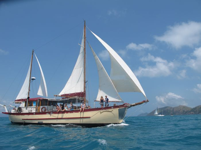 Adventure Cruise Dive and Outer Reef - Whitsundays Sailing Adventures - Accommodation Cooktown