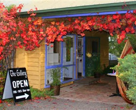 Macedon Ranges Arts Collective - Accommodation Cooktown