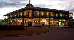 The Grand Terminus Hotel - Accommodation Cooktown