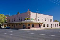 Railway Hotel - Accommodation Cooktown