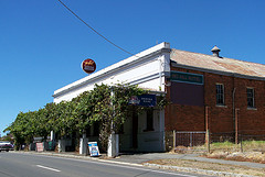 Red Hill Hotel - Accommodation Cooktown