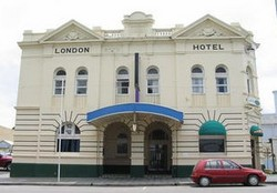 The London Hotel - Accommodation Cooktown