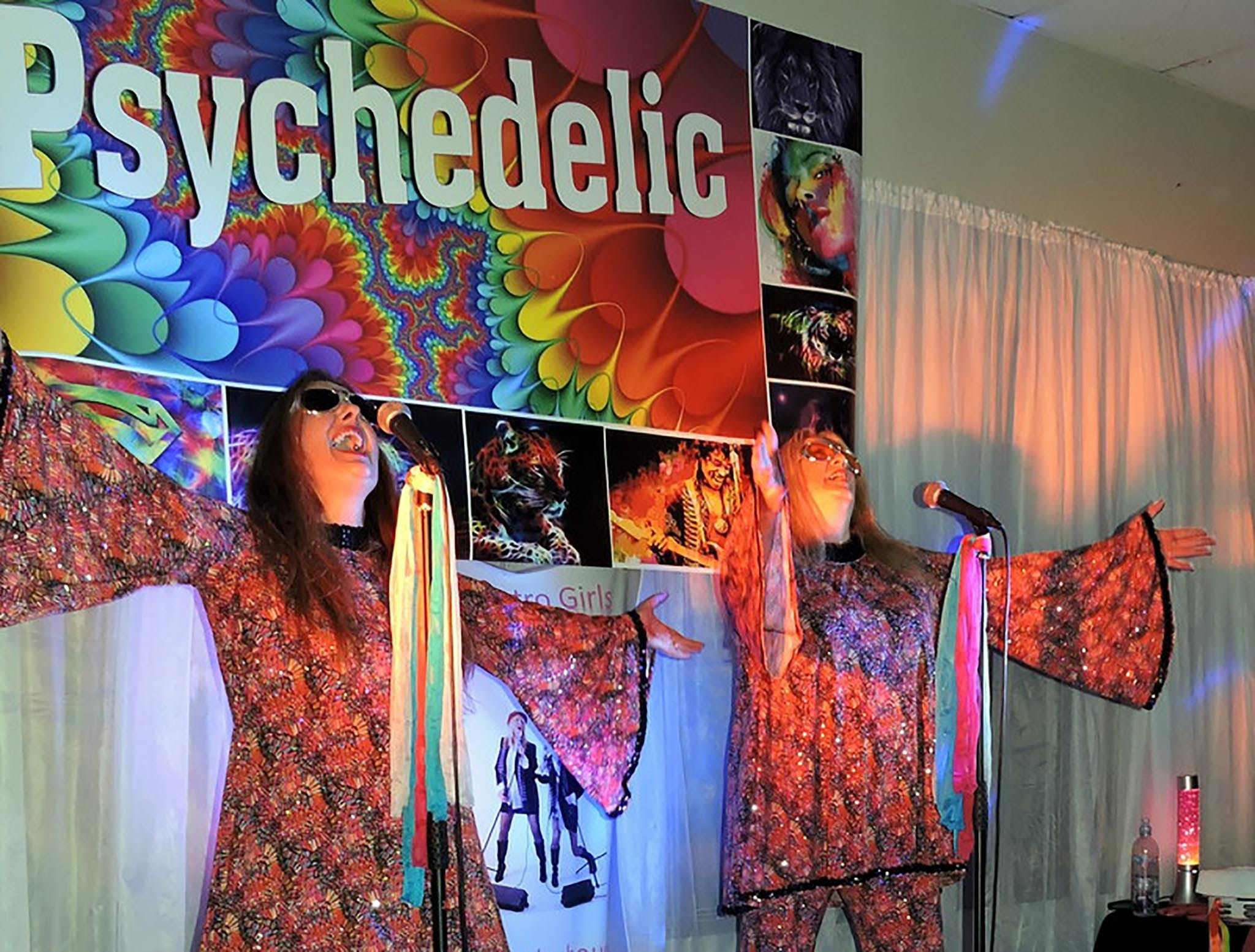 Psychedelic 70s Show The Retro Girls - Accommodation Cooktown