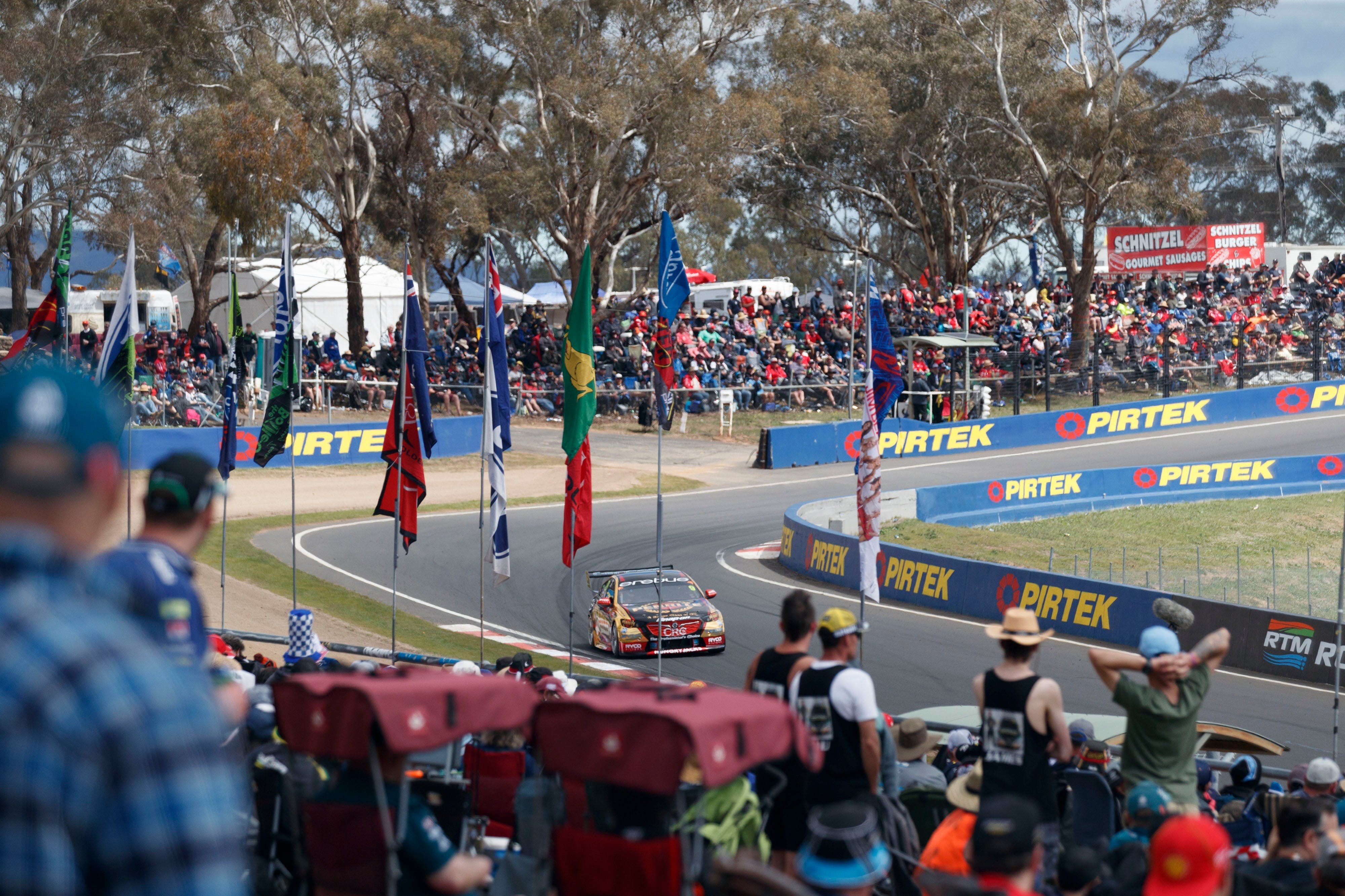 Supercars Supercheap Auto Bathurst 1000 - Accommodation Cooktown