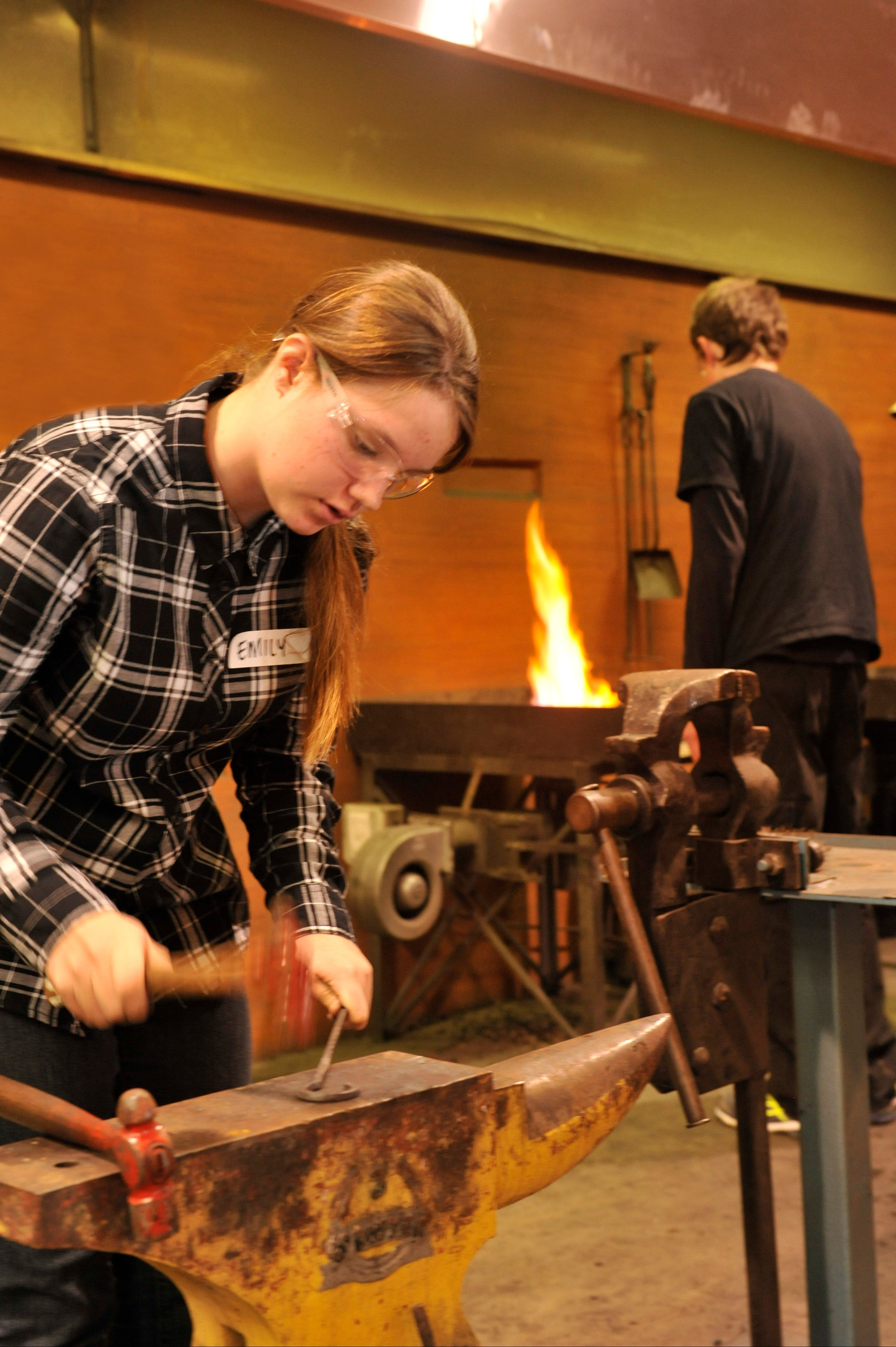 Blacksmithing Teen Workshop - Accommodation Cooktown