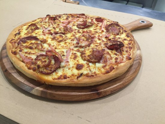Pizza kitchen - Accommodation Cooktown