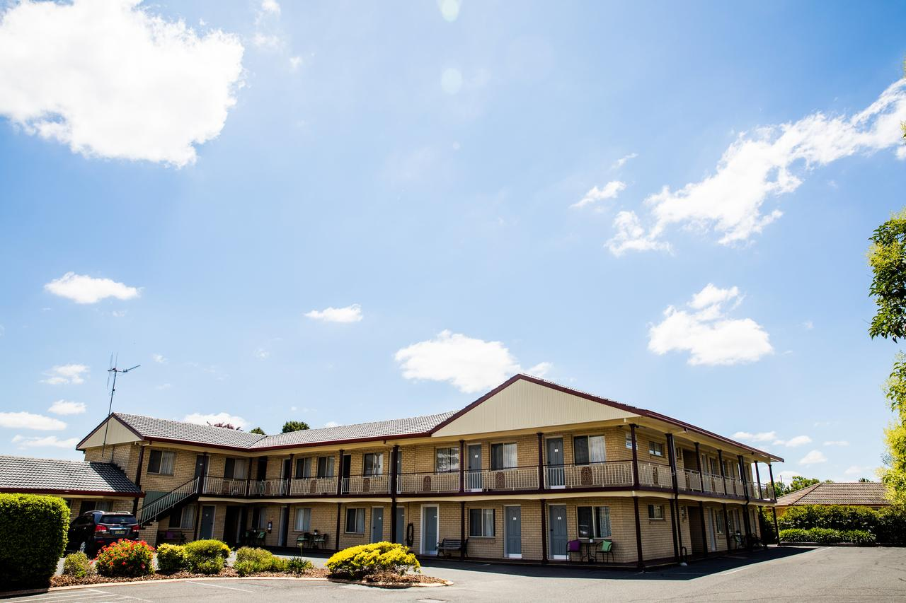 Lilac City Motor Inn  Steakhouse - Accommodation Cooktown