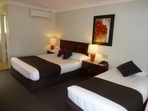 McNevins Warwick Motel - Accommodation Cooktown
