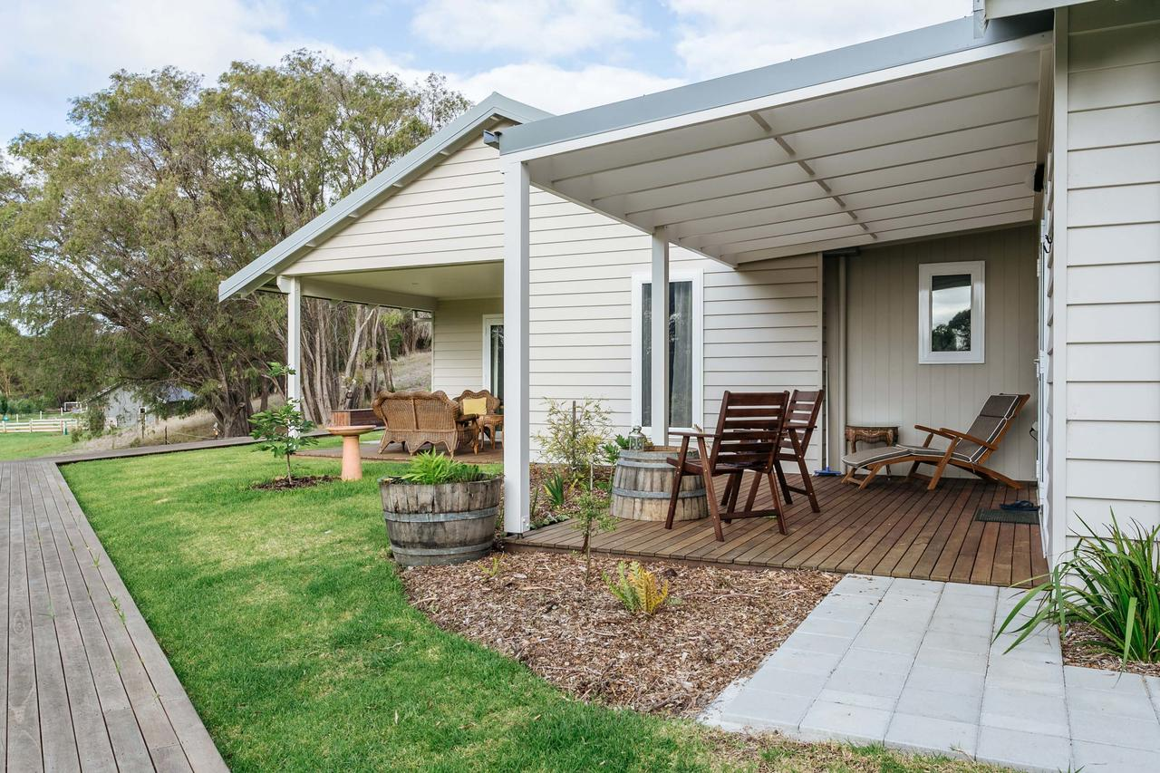 Stablebase - Accommodation Cooktown