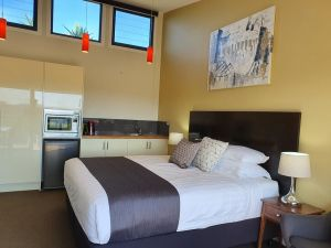 Sanctuary Hill Retreat - Accommodation Cooktown