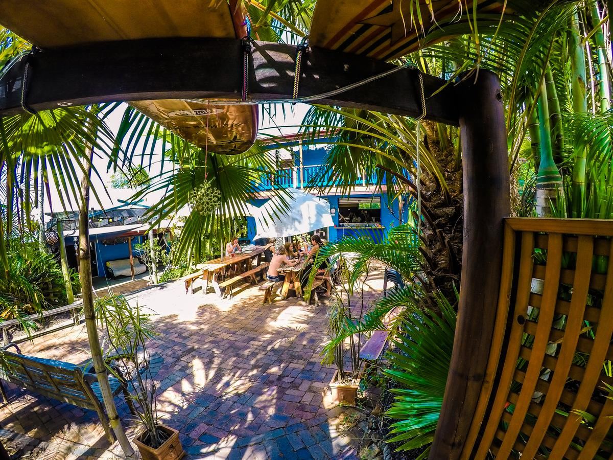 Cool Bananas Backpackers - Accommodation Cooktown