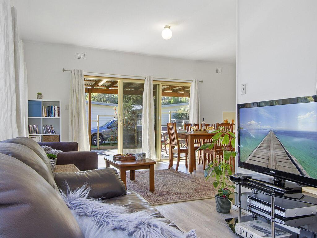 Beach Escape  Currarong - basic family accommodation - Accommodation Cooktown